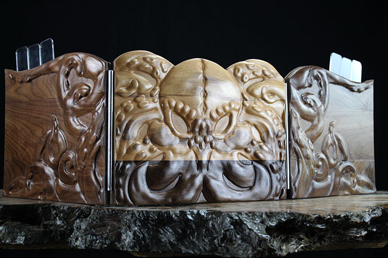 Black Walnut Cthulhu Valhalla Screen