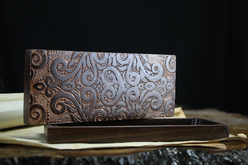 Black Walnut Prismatic Fleur XL Dragon Sheath